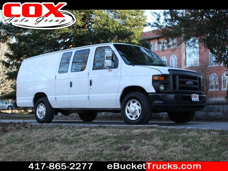 Ford Econoline E-350 Super Duty Extended 2014