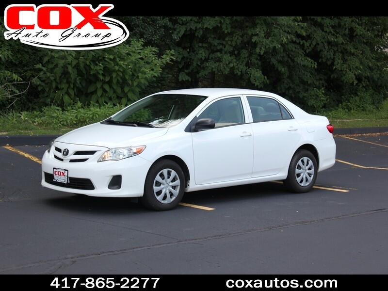 Toyota Corolla Base 4-Speed AT 2011