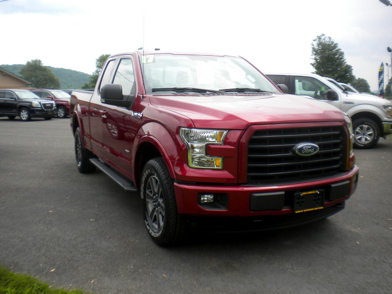 2017 Ford F-150 Lariat 4WD SuperCab 8' Box