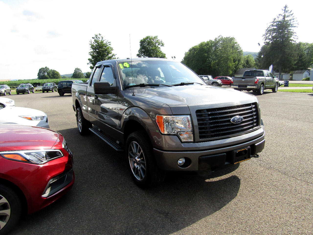 "2014 Ford F-150 4WD SuperCab 163"" XL"