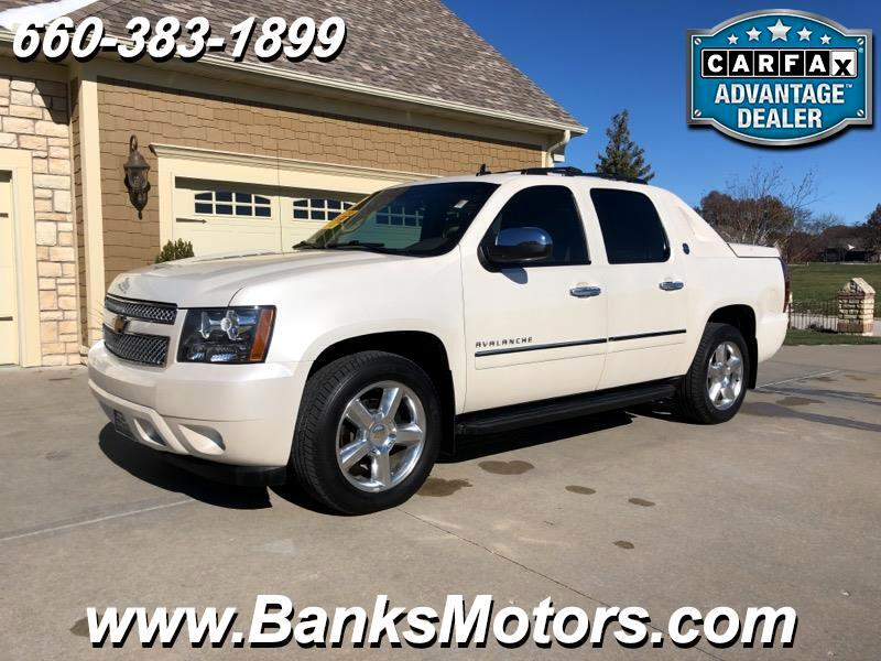 2013 Chevrolet Avalanche Black Diamond Edition 4WD Navigation DVD