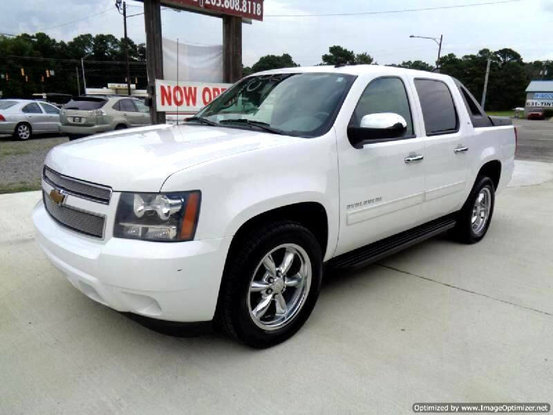 "2011 Chevrolet Avalanche 2WD Crew Cab 130"" LT w/3LT"