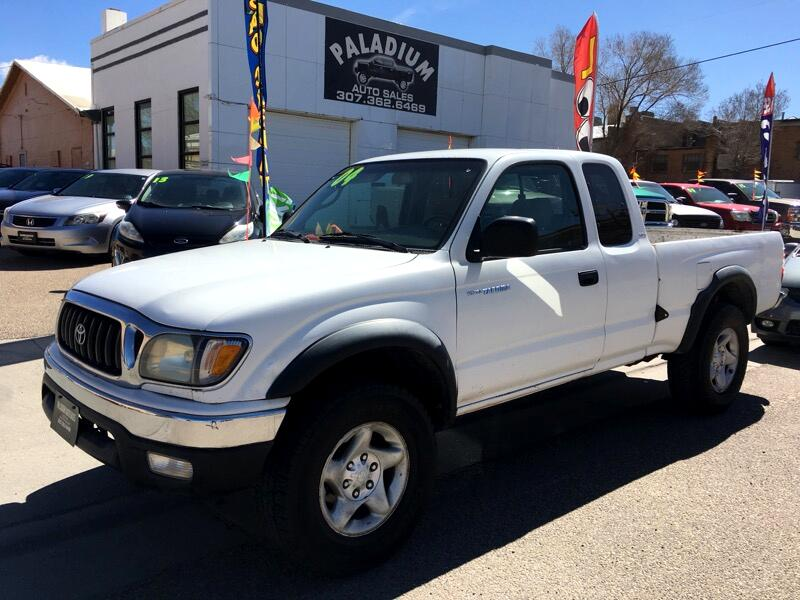 2004 Toyota 4WD Pickups Std Bed X-Cab DLX 5-Spd V6