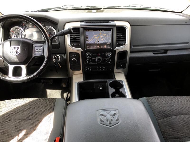 2015 RAM 5500 4WD Crew Cab 173