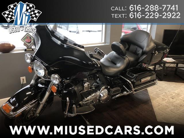 2011 Harley-Davidson FLHTCU