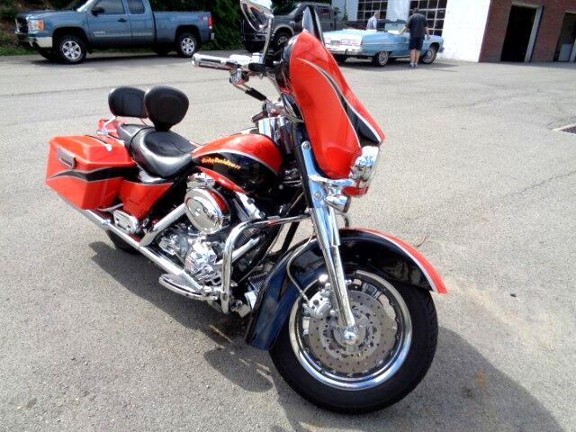 2004 Harley-Davidson FLHTCSE SCREAMING EAGLE