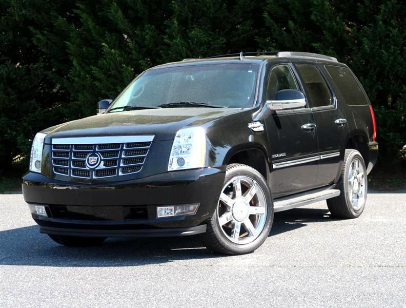 Cadillac Escalade 2WD Luxury 2013