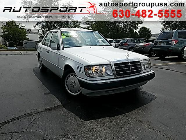 1993 Mercedes-Benz 300 D sedan