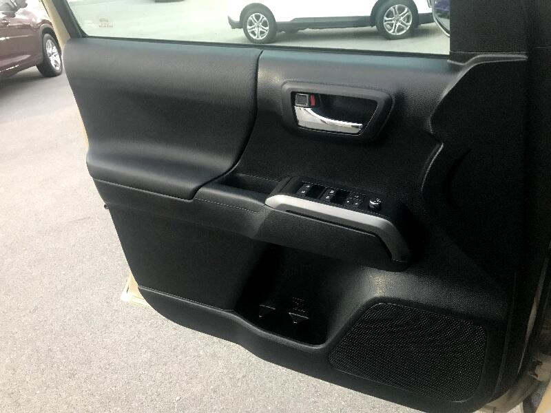 2016 Toyota Tacoma 4WD Double Cab V6 AT TRD Sport (Natl)