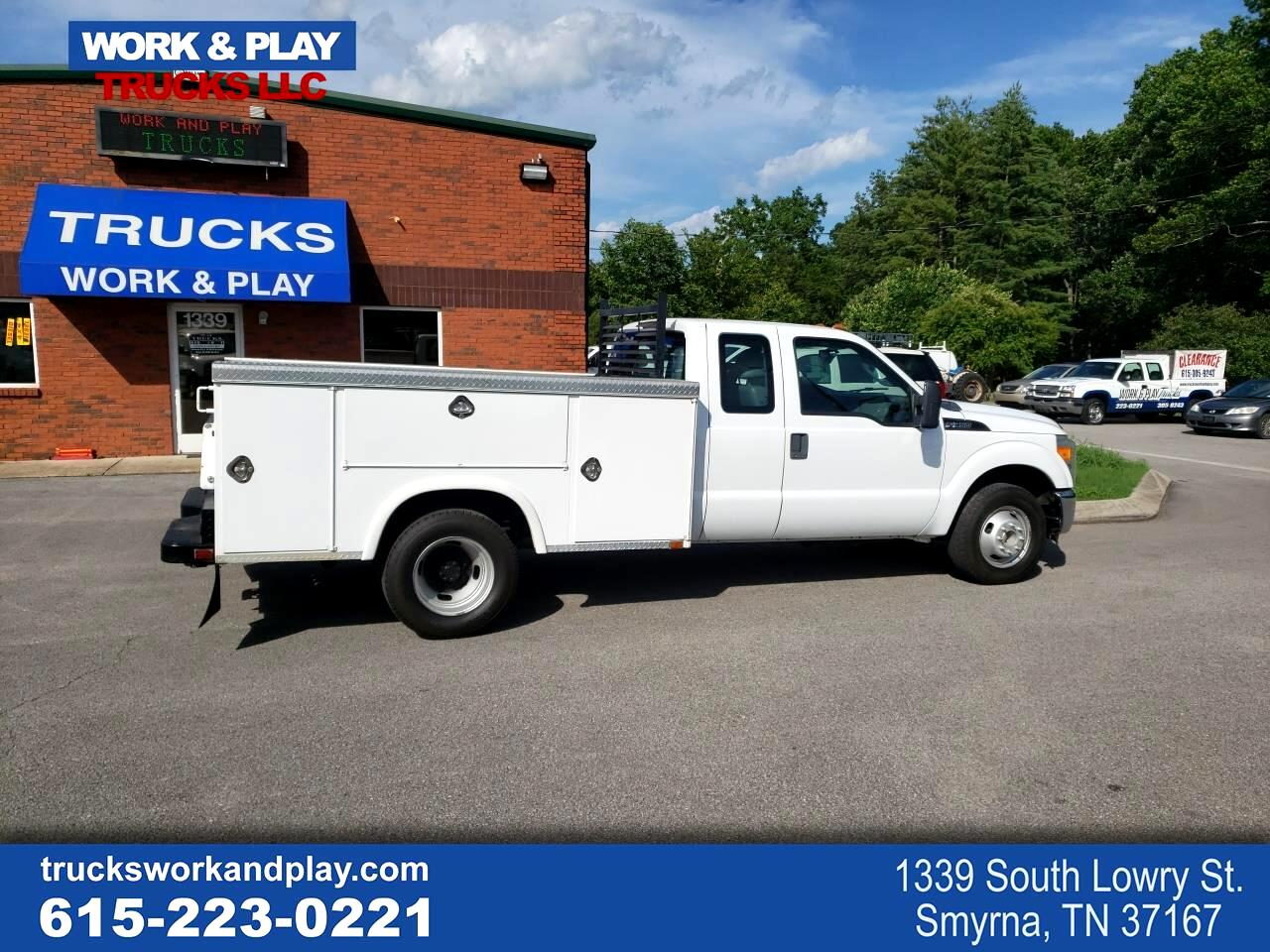 Ford F-350 SD XL SuperCab 2WD DRW 2011