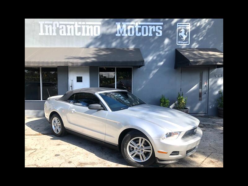 2012 Ford Mustang V6 Convertible