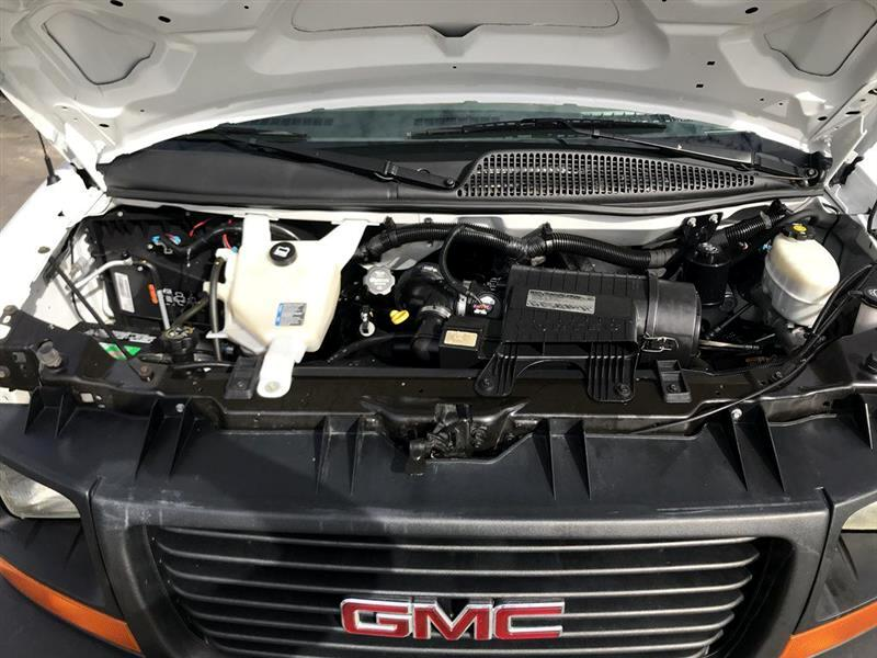 2015 GMC Savana Commercial Cutaway 3500 Van 139
