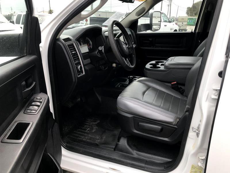 2015 RAM 3500 4WD Crew Cab 172