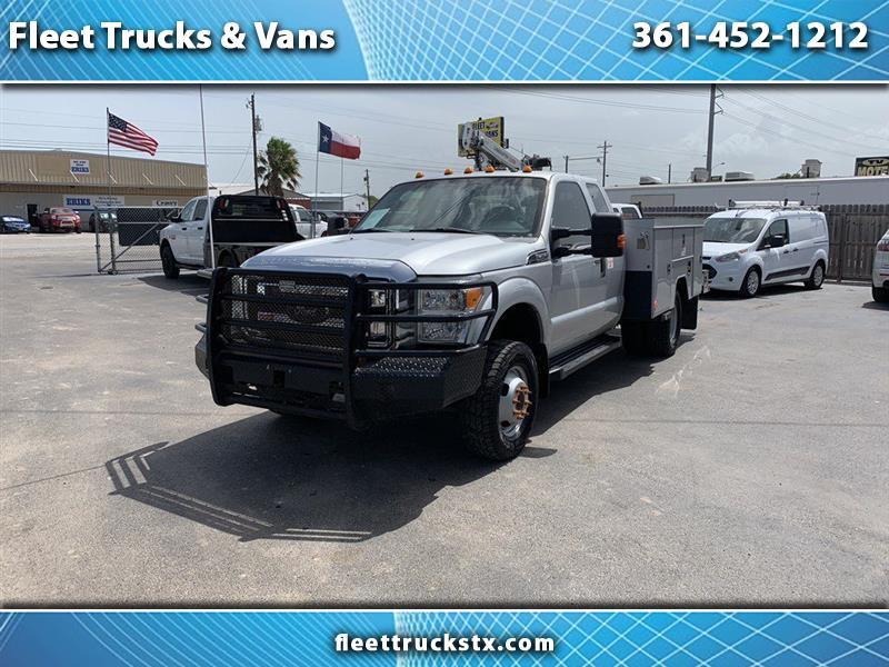 "2013 Ford Super Duty F-350 DRW 4WD SuperCab 162"" WB 60"" CA XL"