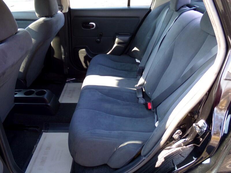 2009 Nissan Versa 1.6 Base Sedan
