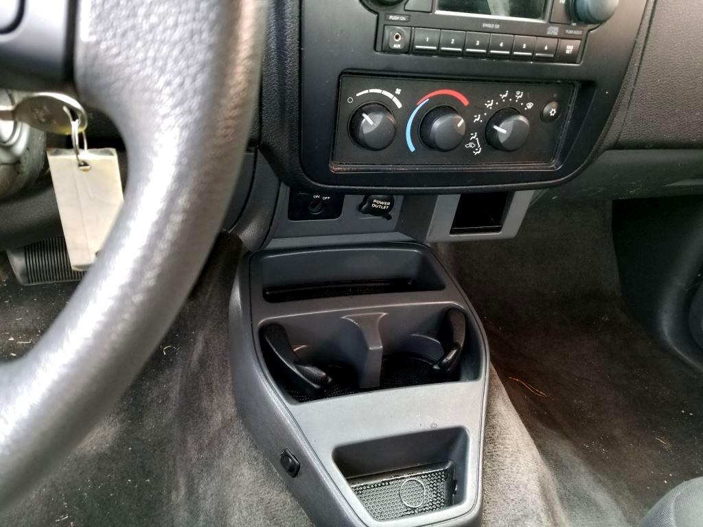 2007 Mitsubishi Raider LS Extended Cab 2WD AT