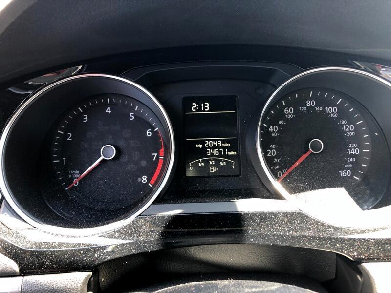Volkswagen Jetta SE 6A 2016