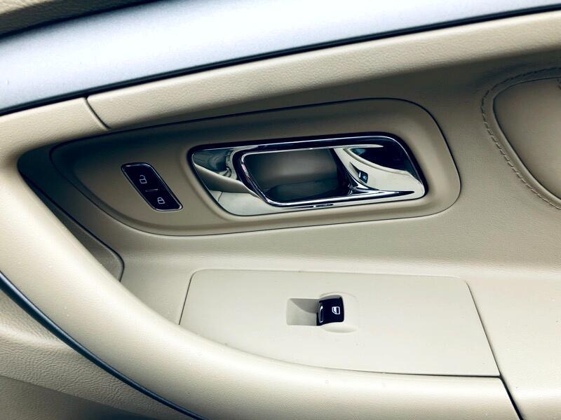 2015 Ford Taurus SEL AWD