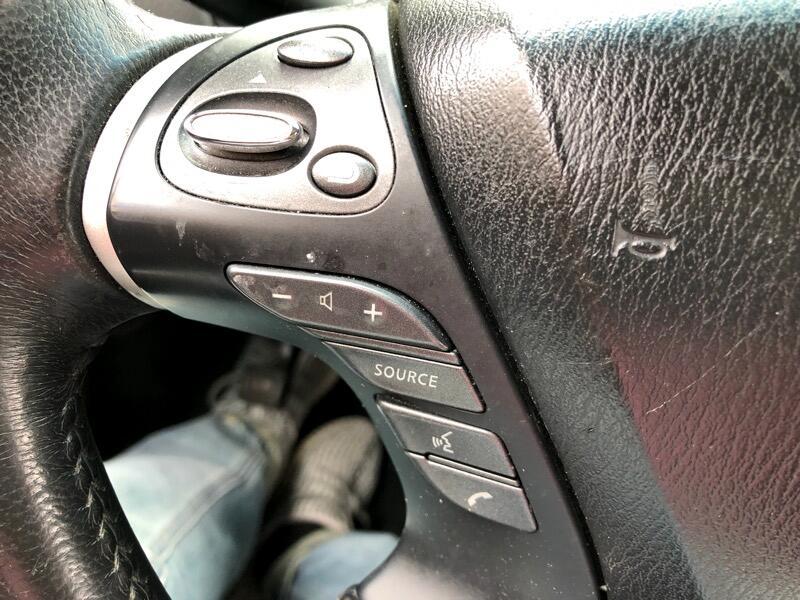 Nissan Pathfinder SL 4WD 2014