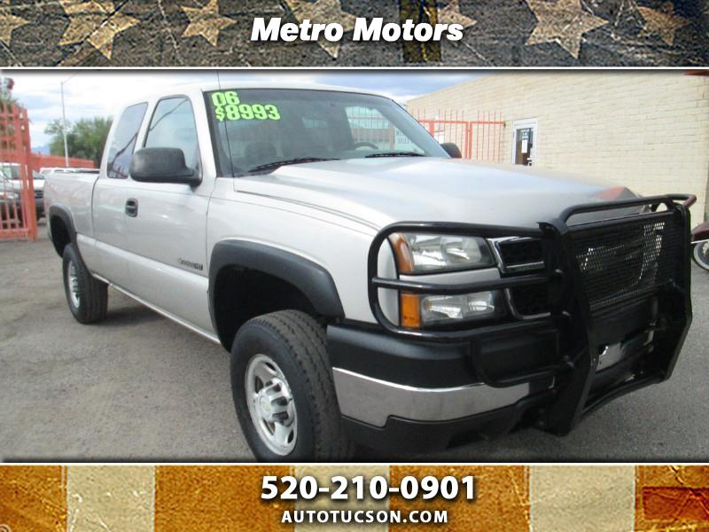 2006 Chevrolet Silverado 2500HD Work Truck Ext. Cab Long Bed 4WD