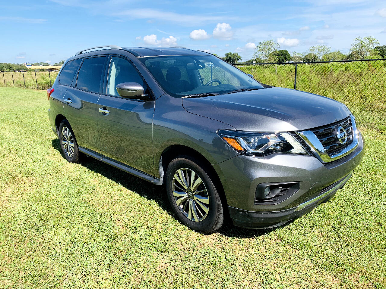 2019 Nissan Pathfinder FWD SV