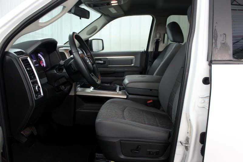 2015 RAM 1500 SLT Crew Cab SWB 4WD