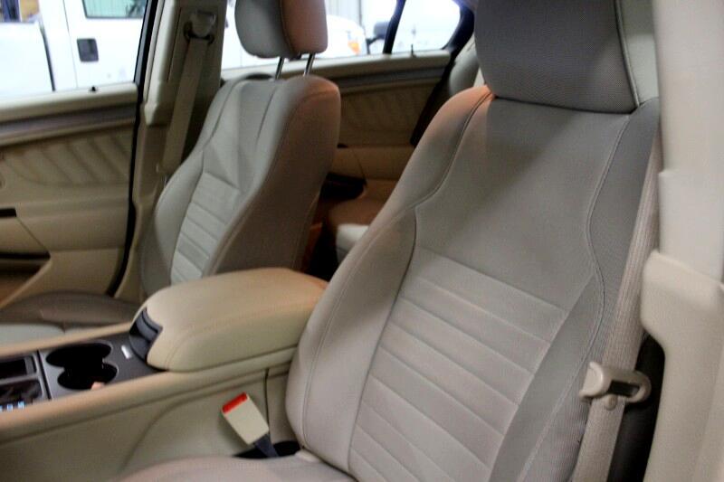 2016 Ford Taurus SE FWD