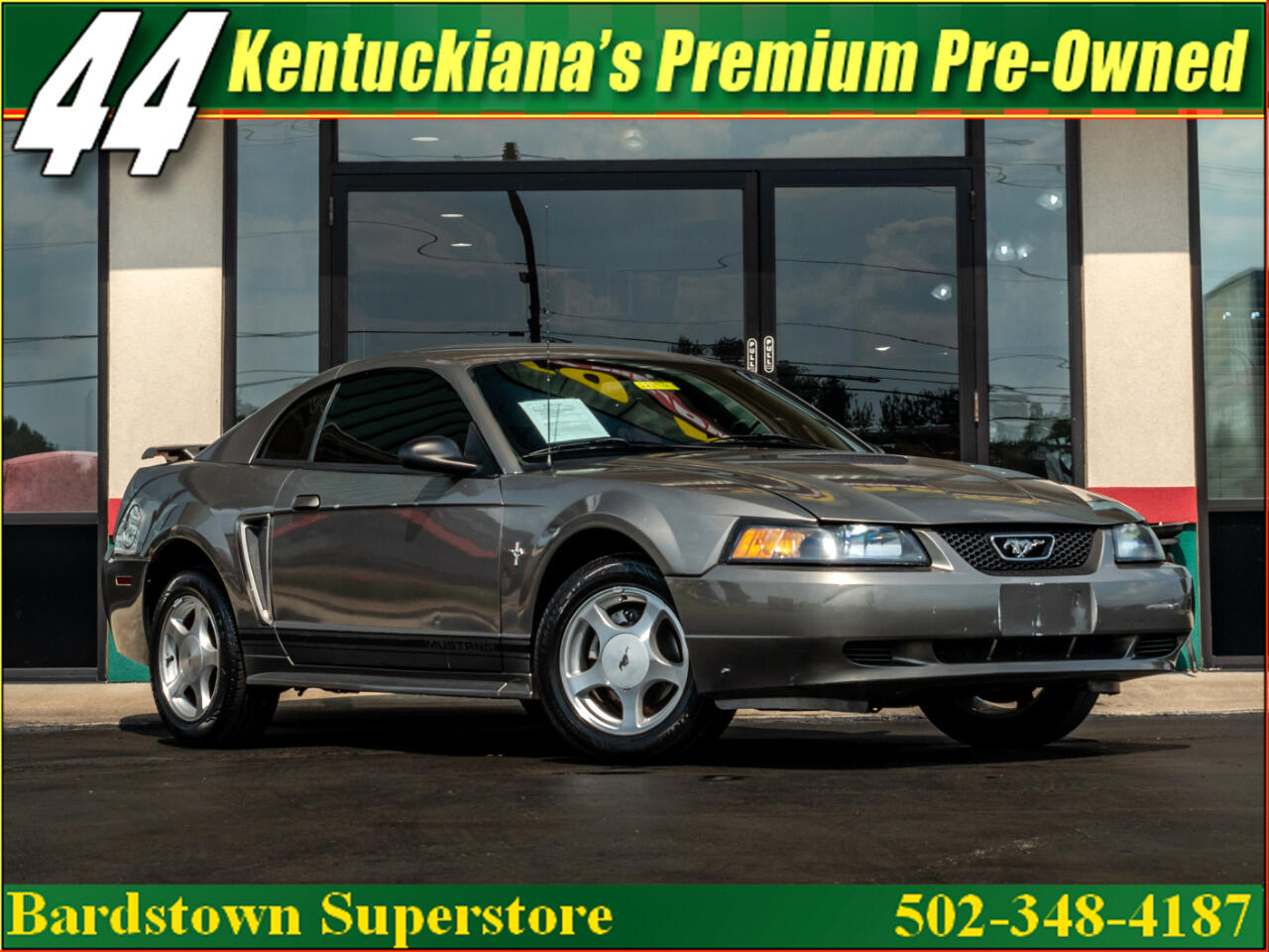 Ford Mustang Deluxe Coupe 2001