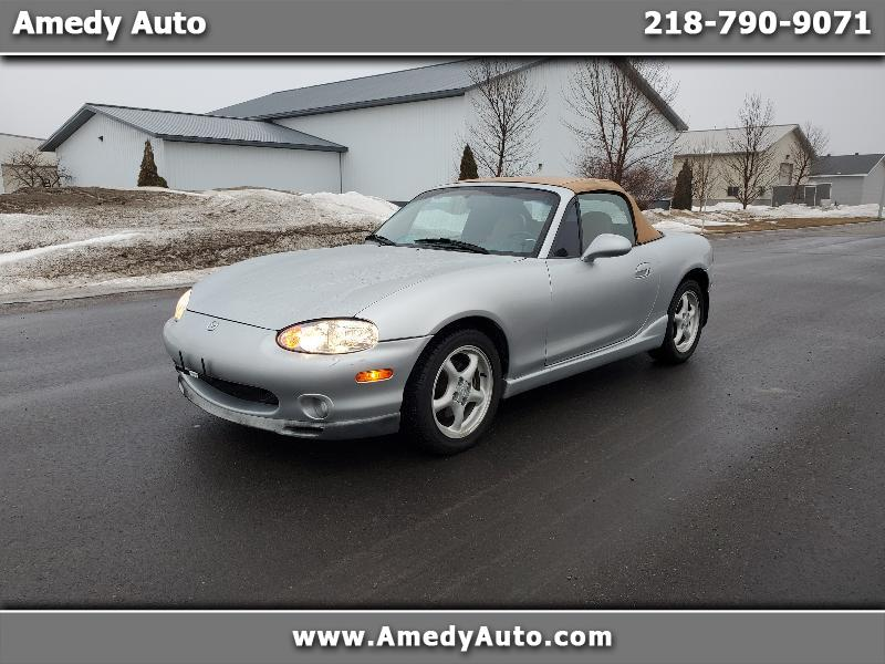 Mazda MX-5 Miata Base 2000