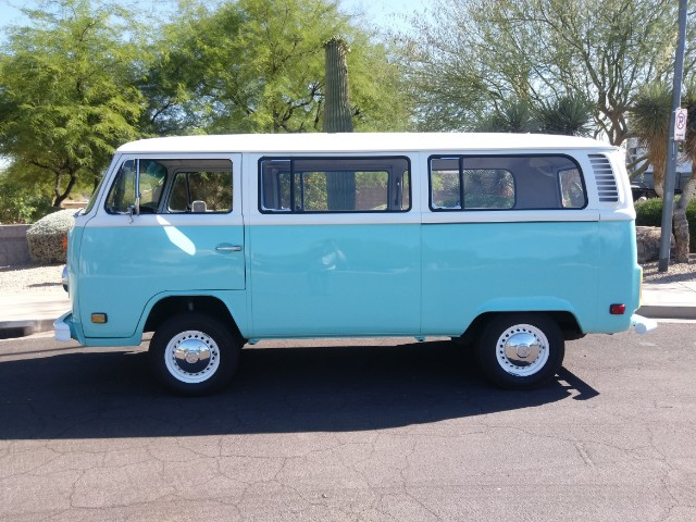 1973 Volkswagen Bus Campmobile