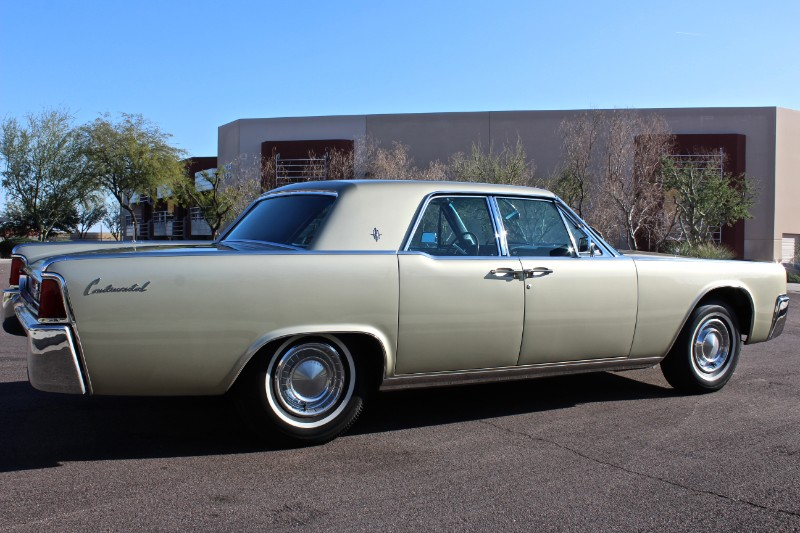 1962 Lincoln Continental 4dr Sedan