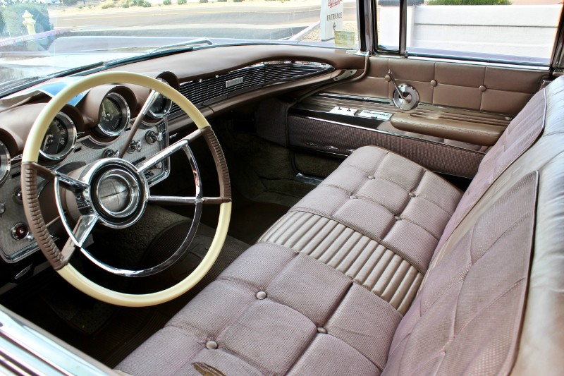 1960 Lincoln Continental 4dr Sedan