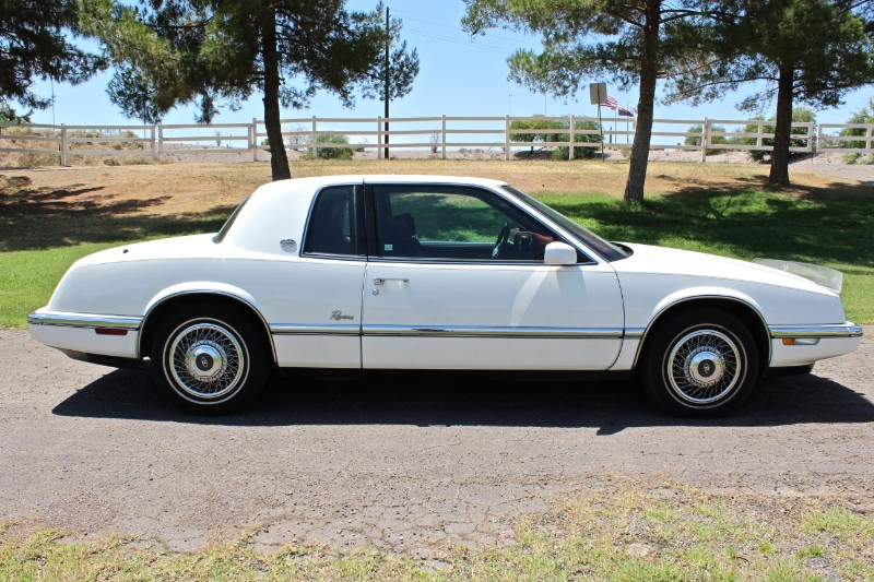 1993 Buick Riviera Coupe