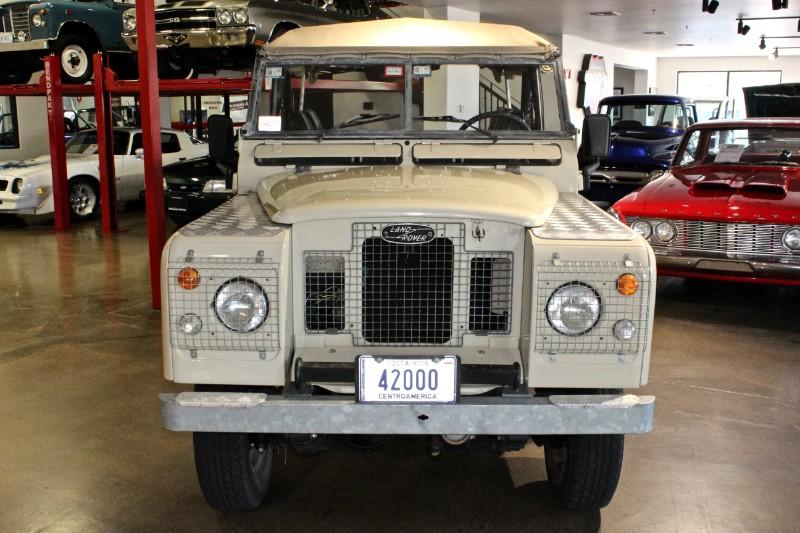 1972 Land Rover Series IIA Safari