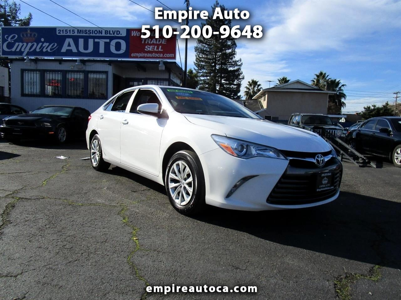 Toyota Camry 2014.5 4dr Sdn I4 Auto LE (Natl) 2017