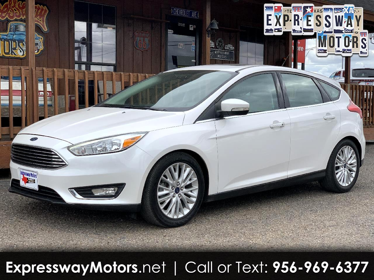Ford Focus Titanium Hatch 2016
