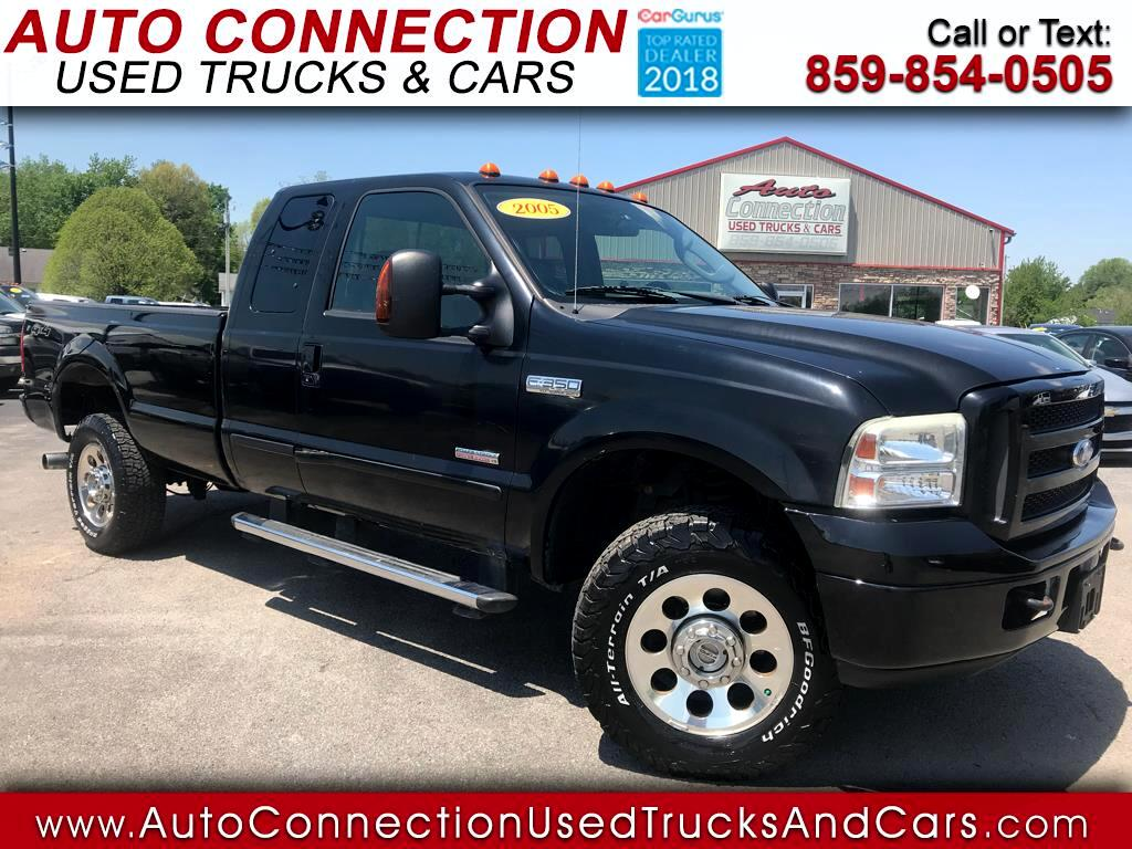 2005 Ford Super Duty F-350 SRW Supercab 142