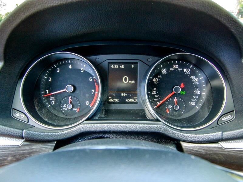 Volkswagen Passat SE w/Technology 2017