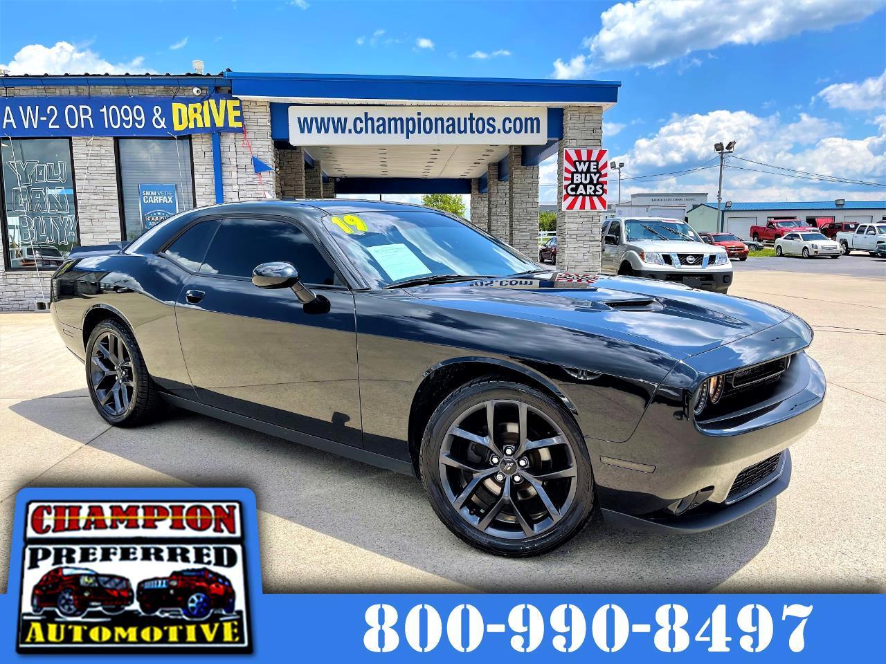 Dodge Challenger SXT RWD 2019