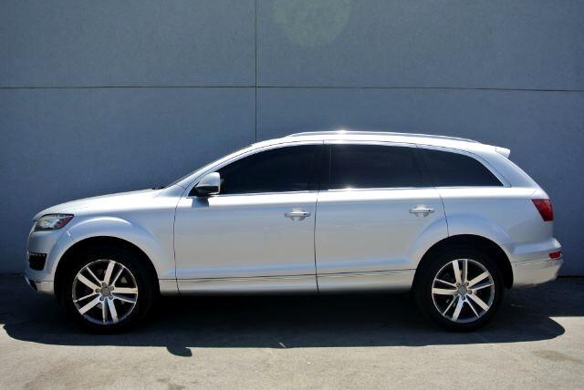 Audi Q7  2011