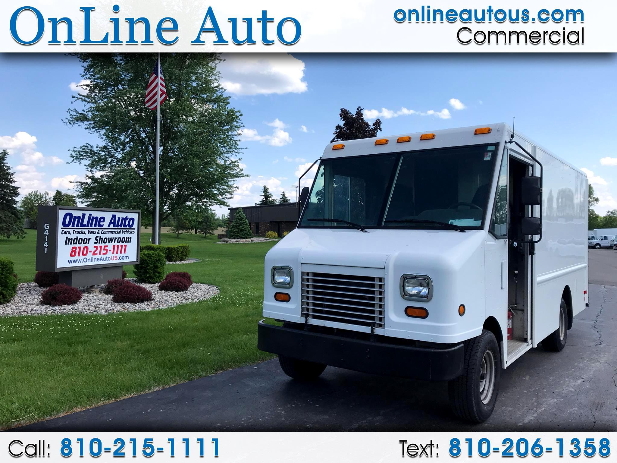 2010 Ford E-Series 12' STEP VAN W/BULKHEAD