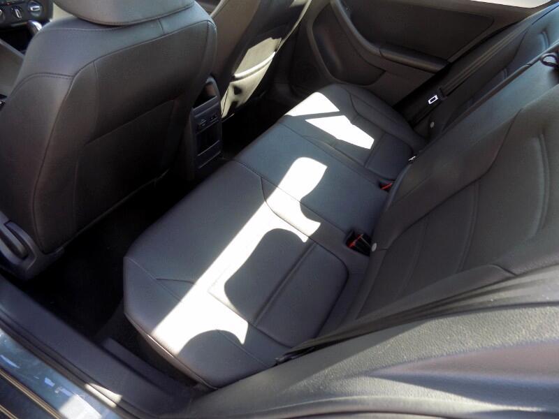 2012 Volkswagen Jetta 2.0T w/ Leather
