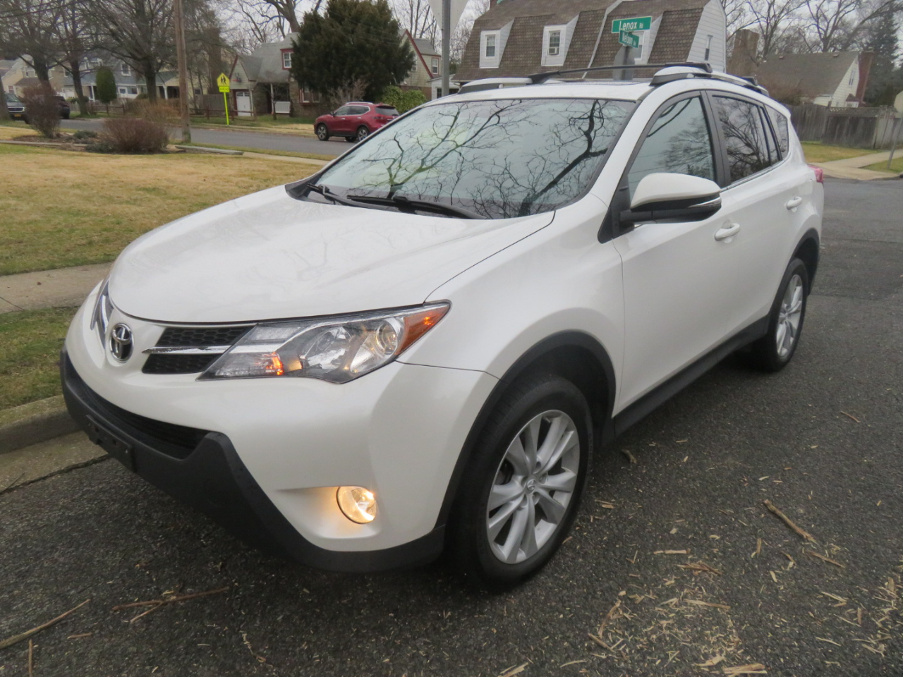 Toyota RAV4 AWD 4dr Limited (Natl) 2013