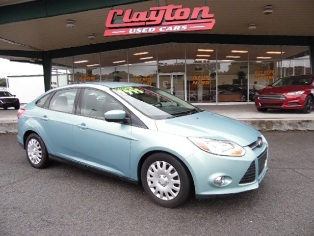 buy here pay here 2012 ford focus se sedan for sale in knoxville tn 37912 clayton used cars. Black Bedroom Furniture Sets. Home Design Ideas