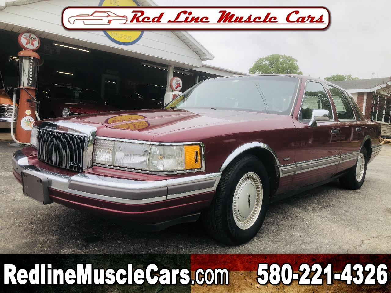 Lincoln Town Car Base 1990