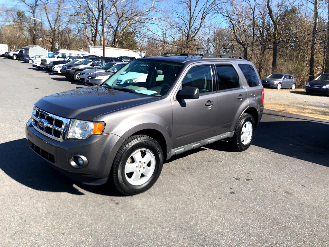 Ford Escape FWD 4dr XLT 2011
