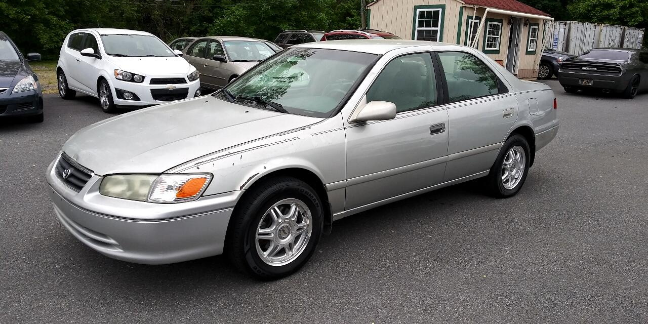 Toyota Camry 4dr Sdn XLE Auto (Natl) 2001