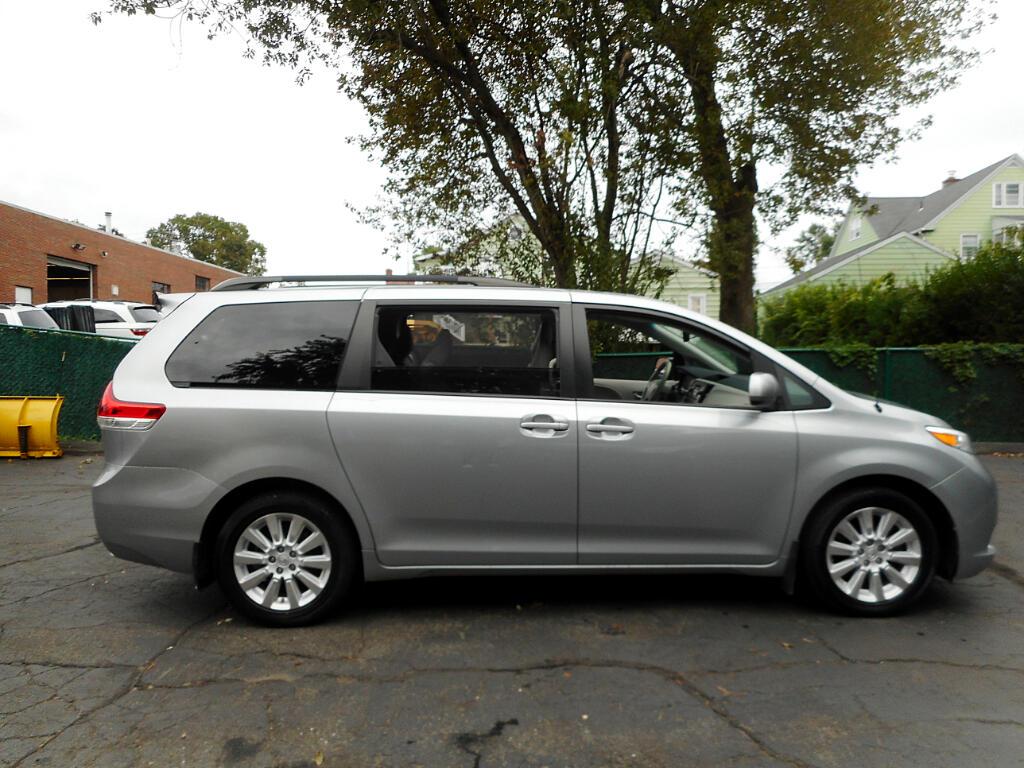 2014 Toyota Sienna Limited AWD 7-Passenger V6