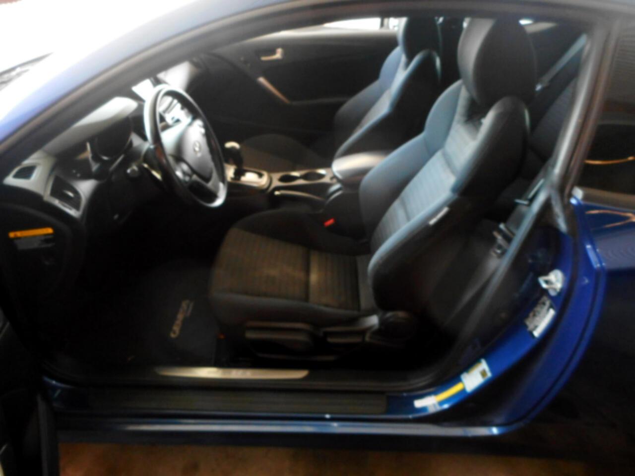 2014 Hyundai Genesis Coupe 2.0T 8AT