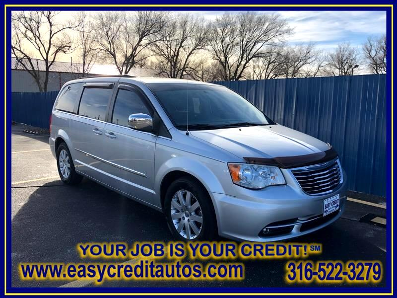 Chrysler Town & Country 4dr Touring FWD 2011